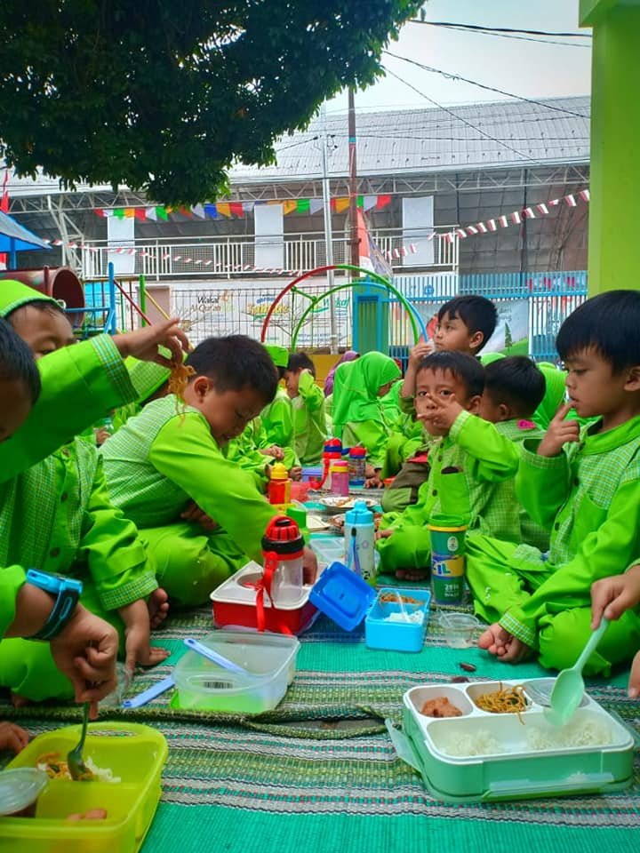 Makan Bersama 7